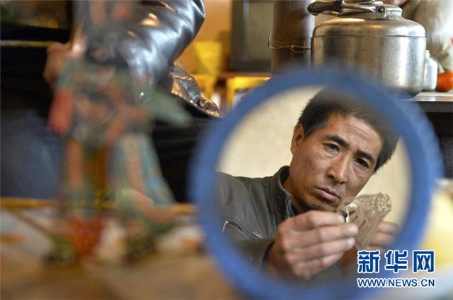 """【新华社】甘肃渭源:让古老""""光影""""艺术薪火相传"""