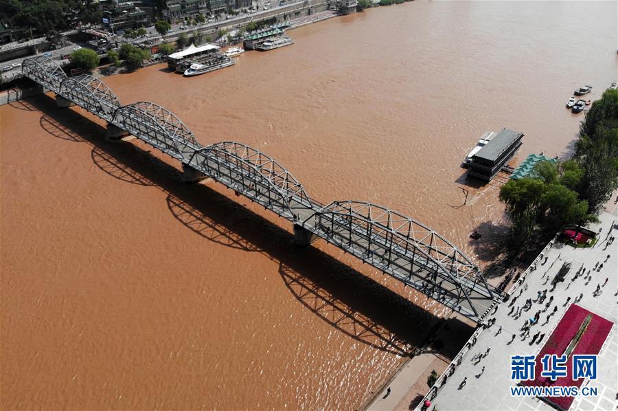"""兰州:110岁的中山桥和""""他的伙伴们"""""""