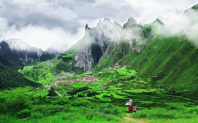 甘南藏族自治州发展特色文旅产业