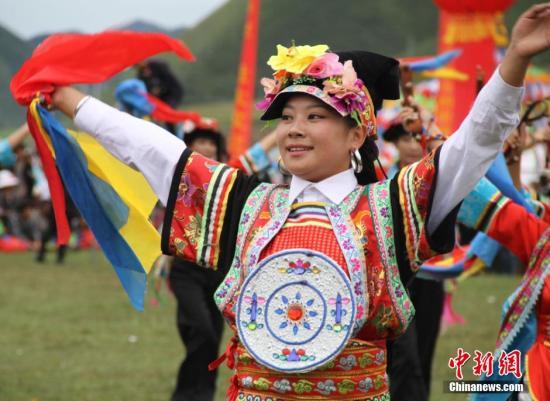 探访甘南藏地香浪节:格桑花里话变迁