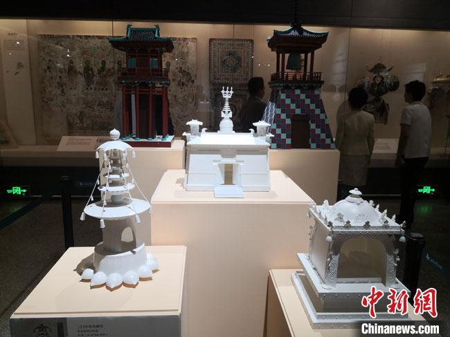 图为3D打印的敦煌石窟壁画建筑物。 冯志军 摄