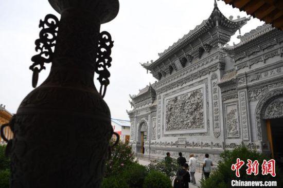 图为7月中旬,临夏砖雕作品。 杨艳敏 摄