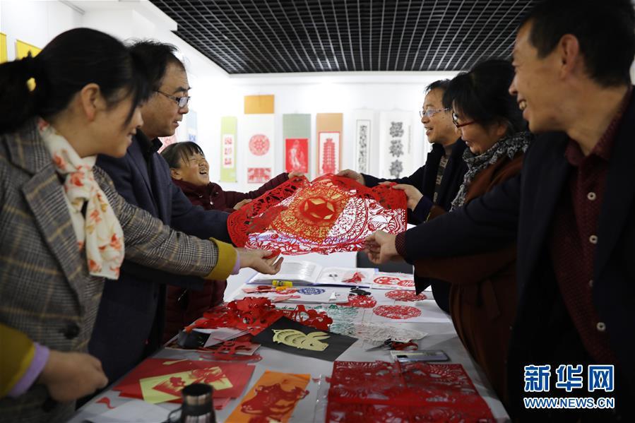 甘肃会宁:传承剪纸艺术