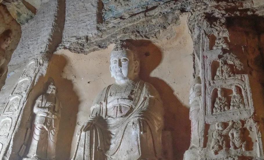 崆峒山古建筑群修缮项目(一期)和王母宫石窟窟檐修缮项目顺利通过竣工验收