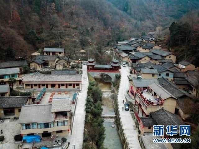 """贫困山乡绽新颜——美丽乡村建设""""康县模式""""的调查与启示"""