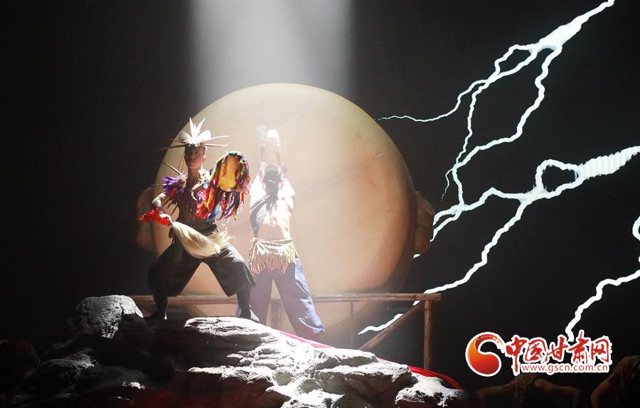 大型民俗情景歌舞剧《高山情韵》在陇南首演
